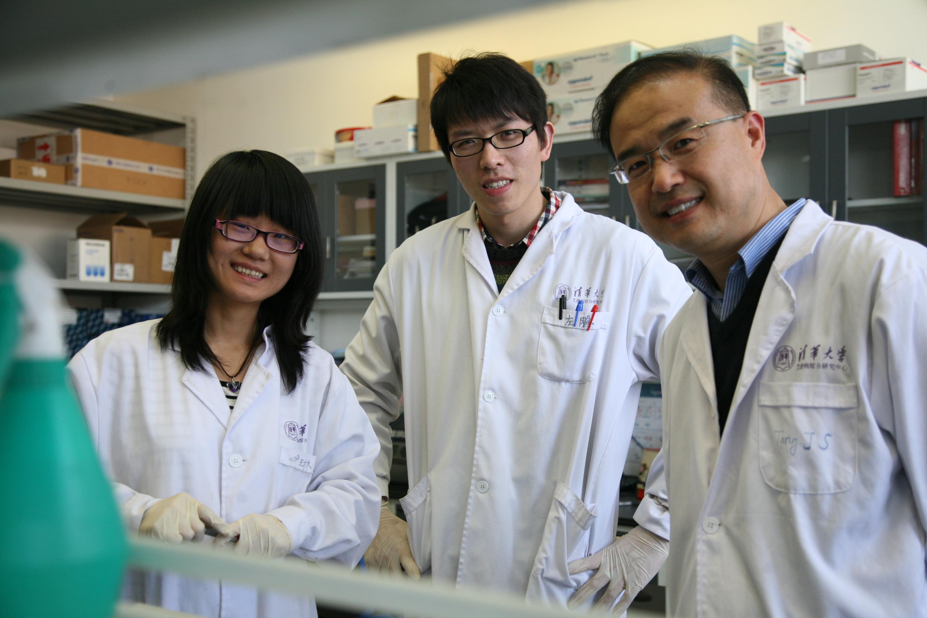 清华大学基础医学系主任、病毒研究所所长张林琦